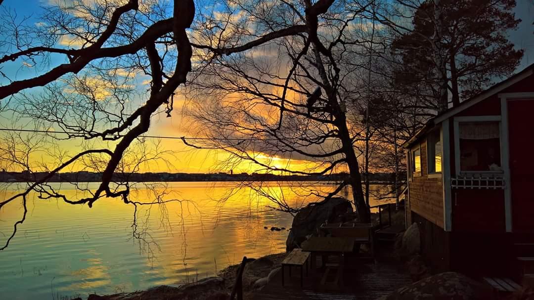 Summer, Sauna, Sea and Sunset - what else? #Helsinki #Finland #photography #StormHour #travel #Photograph #weather #nature #sunset #photo #landscape #summer #weekend #tgif #SummerVibes #Suomipic.twitter.com/kvBbbZ51JN