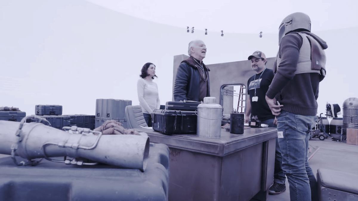 ファーストマンやマンダロリアンから使われ始め、革命が起きてる>巨大ディスプレイを背景にした撮影室内シーンでも違和感がないスター・ウォーズ初の実写ドラマ「マンダロリアン」にはこれまでになく新しい撮影方法が取り入れられている - GIGAZINE