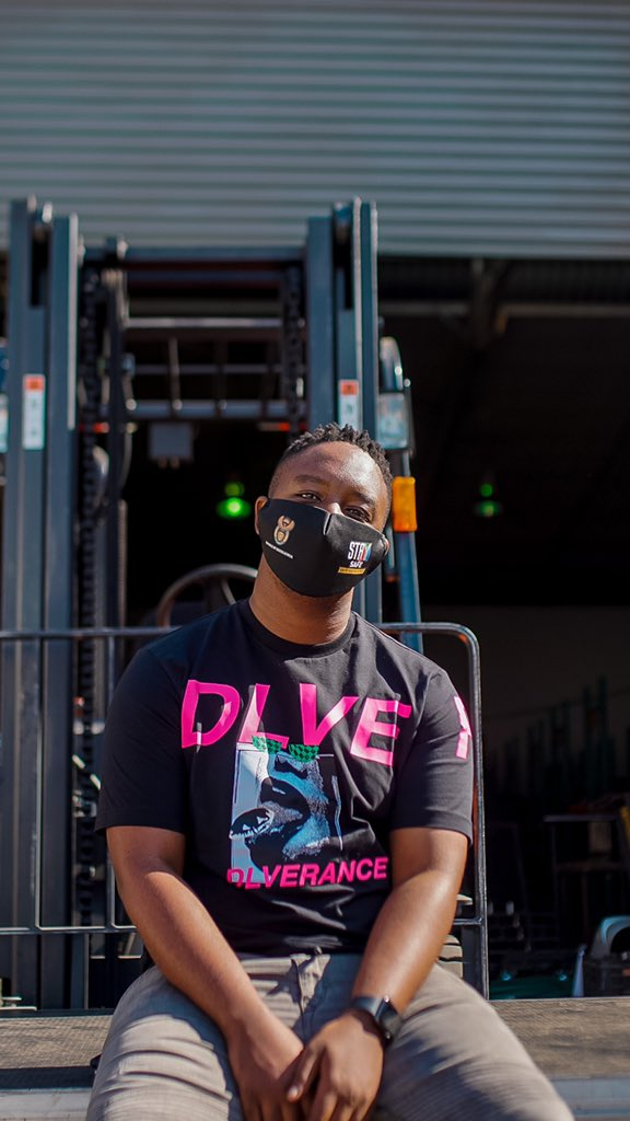 It's a FriYAY so we're jamming to the sounds of @Shimza01 🔥🔥🔥 #TheMorningaFlava with @moflavadj @owenhannie @Pearl_Shongwe