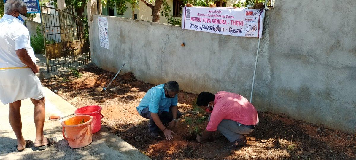 Two saplings of Neem planted at Nehru Yuva Kendra #Theni #TamilNadu office by staff on the occasion of #WorldEnvironmentDay2020 . @KirenRijiju | @RijijuOffice | @YASMinistry | @PMOIndia https://t.co/Pley020Ar2