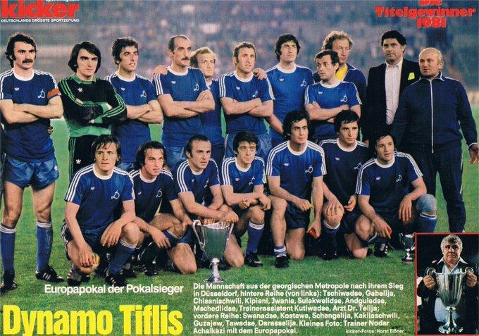 FOTOS HISTORICAS O CHULAS  DE FUTBOL - Página 17 EZuhr13WsAABOls?format=jpg&name=small
