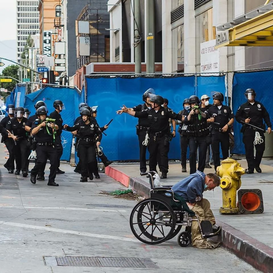 "https://t.co/RUhgJmBn5H  DTLA earlier: ""completely unarmed homeless man in a wheelchair that had NOTHING to do with our protest."" ""They proceeded to inappropriately shoot ""non-lethal"" rounds directly at his face, which is against the proper procedure for firing rubber bullets."" https://t.co/MMdEkutgCx"