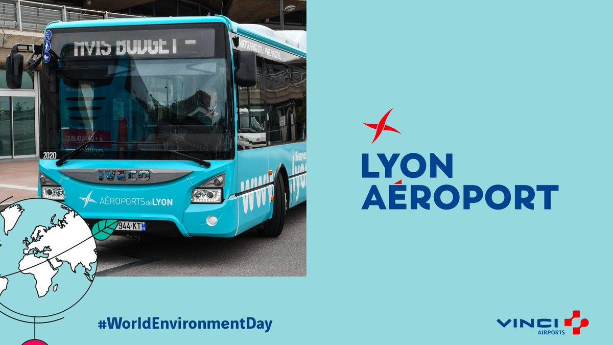 Lyon Aéroport poursuit son engagement pour réduire son empreinte carbone et inventer la mobilité de demain. Le saviez-vous ? Nos navettes fonctionnent toutes au biogaz. #VINCIAirports #WorldEnvironmentDay #PositiveMobility https://t.co/1Px3GcqNk0