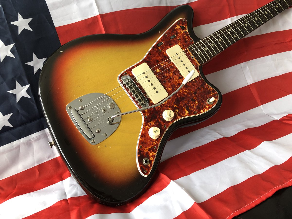 Here's another sneak peek at CRAVE Guitars' very cool and newly TLC'd 1965 Fender Jazzmaster. Love Vintage Guitars. @Fender #CRAVEGuitars #GuitarPorn #FF #TGIFpic.twitter.com/vOFXZ9pRKz