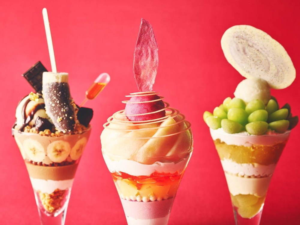 """""""チョコバナナ""""トッピングや白桃のアートなパフェ、ストリングスホテル東京インターコンチネンタルで -"""