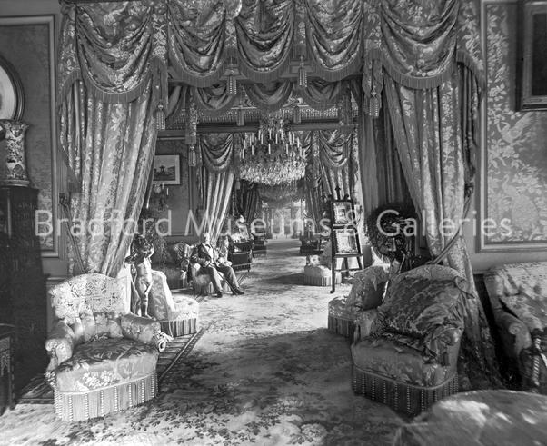 We talked about Henry Isaac Butterfield in the context of #BestBling last week.  But really, the bling was in support of his #InterestingInteriors   Here he is, in the rather fabulous enfilade of rooms in his newly built #CliffeCastle in the 1880s - so proud he comissioned photospic.twitter.com/xz1a72D99j