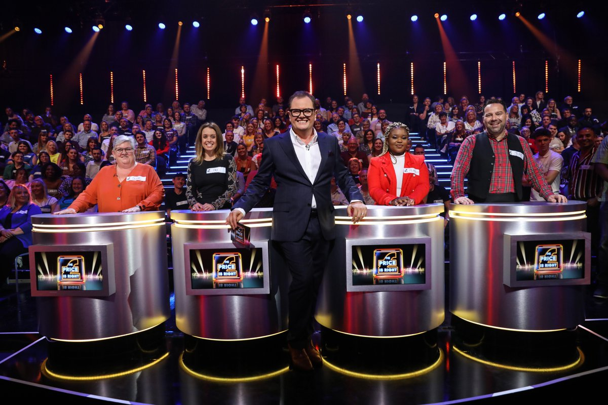 Ready for another exhilarating instalment of Alan Carr's #EpicGameshow? It's one of the nation's all time favourites, it's #ThePriceisRight! Big prizes are at stake, so come on down to @ITV at 7:30pm tonight to catch all the action https://t.co/Lizf5HX3zg