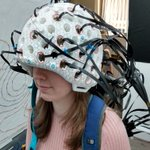 Image for the Tweet beginning: The wearable brain scanner developed