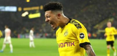Borussia Dortmunds Jadon Sancho says it is an absolute joke he has been fined by the German football league after being pictured having a home haircut without wearing a mask. Full story 👉 bbc.in/2Mws9xx #bbcfootball #Bundesliga