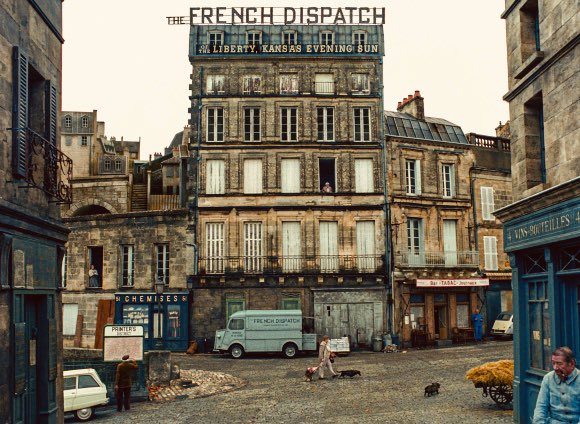 a visual delight, the cinematography with striking intensity in this #loveletter' to journalists! #TheFrenchDispatch directed by #WesAnderson @Festival_Cannes #Cannes2020 #FestivaldeCannes #London #Paris #Zurich #LosAngeles #Tokyo #Sydney https://t.co/OtzYWZGGYg