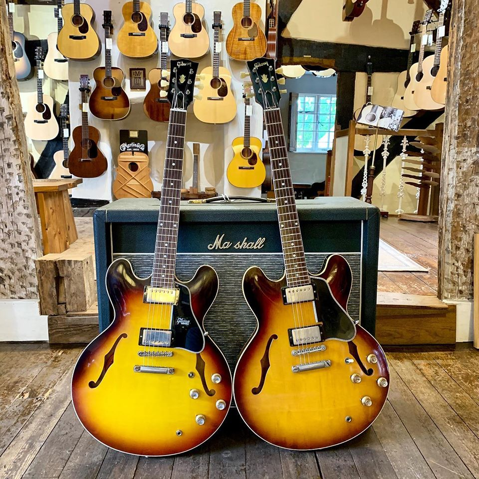On the left, a @CustomGibson ​1961 ES-335 Reissue in VOS Vintage Burst and on the right, the Guv'nor's personal @gibsonguitar ​ES-335 from 1961! A crackin' pair, I'm sure you'll agree!   #gibson #gibsoncustom #es335 #guitarporn #guitarvillage  >>>https://guitarvillage.co.uk/products/gibson-custom-shop-1961-es-335-reissue-vos-vintage-burst …<<<pic.twitter.com/s3YhjDL4C7