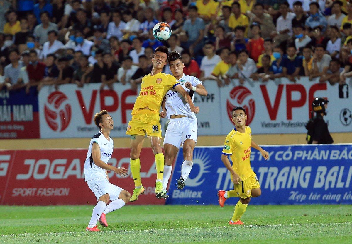 ⚽️ Football is back in Vietnam! 🇻🇳