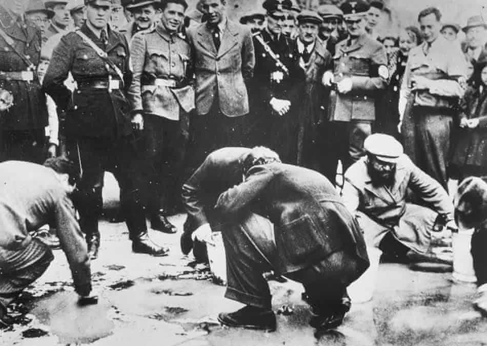 This photograph from 1938 shows the German National Socialists—the Nazis—making Jews in Vienna kneel and scrub the streets. Nazi socialists used racial humiliation as a retaliation  against perceived Jewish capitalist exploitation https://t.co/qQHI0x2Abx
