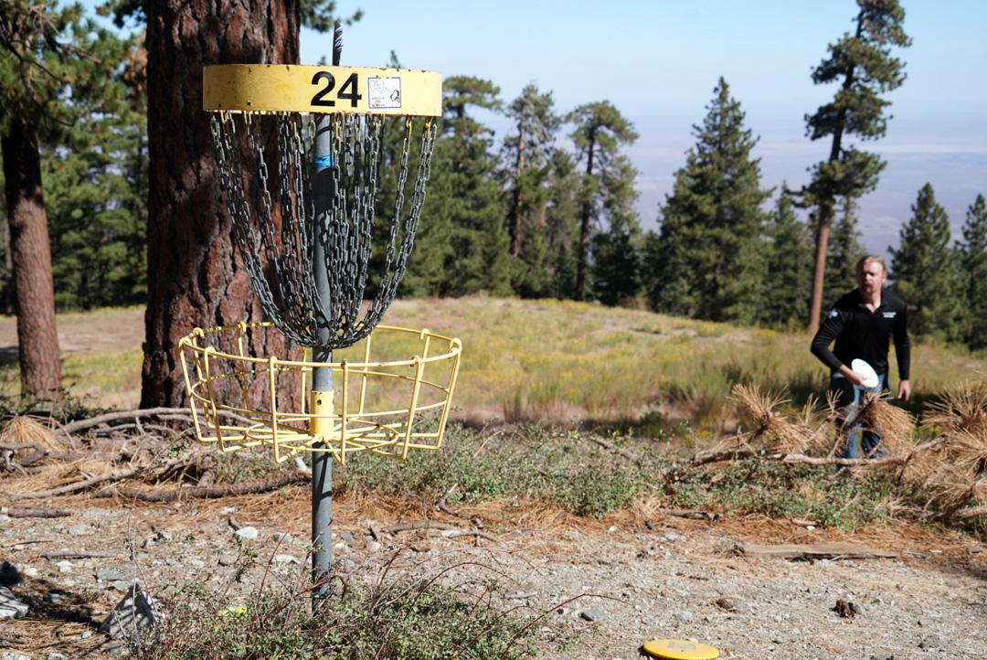 You, me, and a little Disc Golf action? Let's do this! The Sky High Disc Golf course is open this Friday-Sunday 8am-5pm. Remember to bring your facemasks and practice social distancing both inside the lodge and out. See you soon! #mthigh #the_sky_high_dgc #discgolf #sunny #clear https://t.co/ntorKZODZr