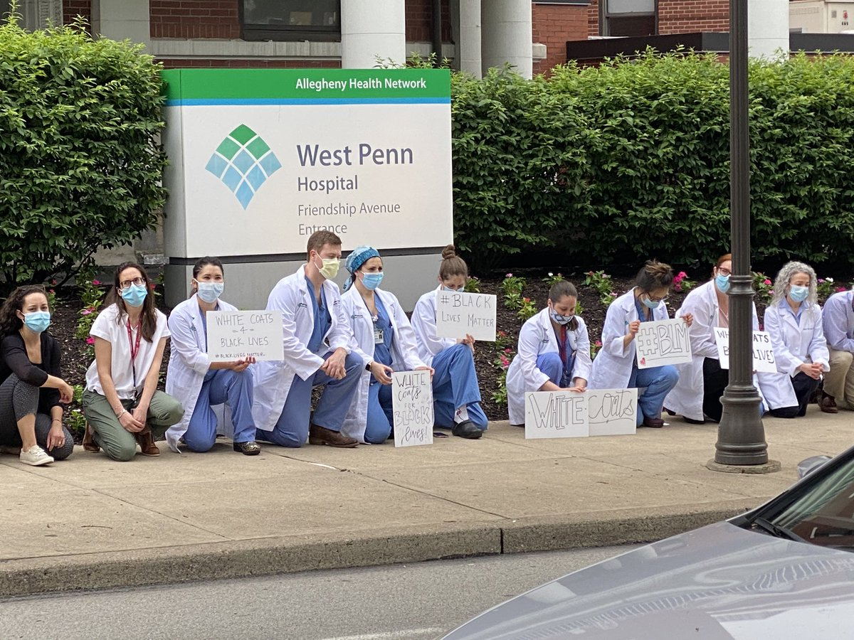 #RIGHT NOW Outside West Penn Hospital healthcare workers are joining the national movement to kneel for 8 minutes and 46 seconds in solidarity. @KDKApic.twitter.com/rEKjaHgBDE