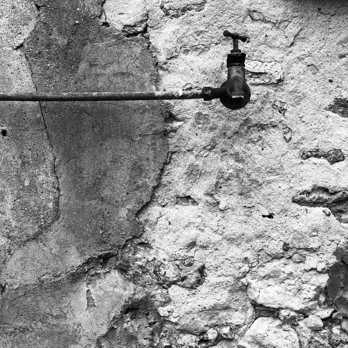 #photography #photo #blackandwhite #art #Monochrome #Water #robinet ©JocelynPhotospic.twitter.com/n43WvYBa5P