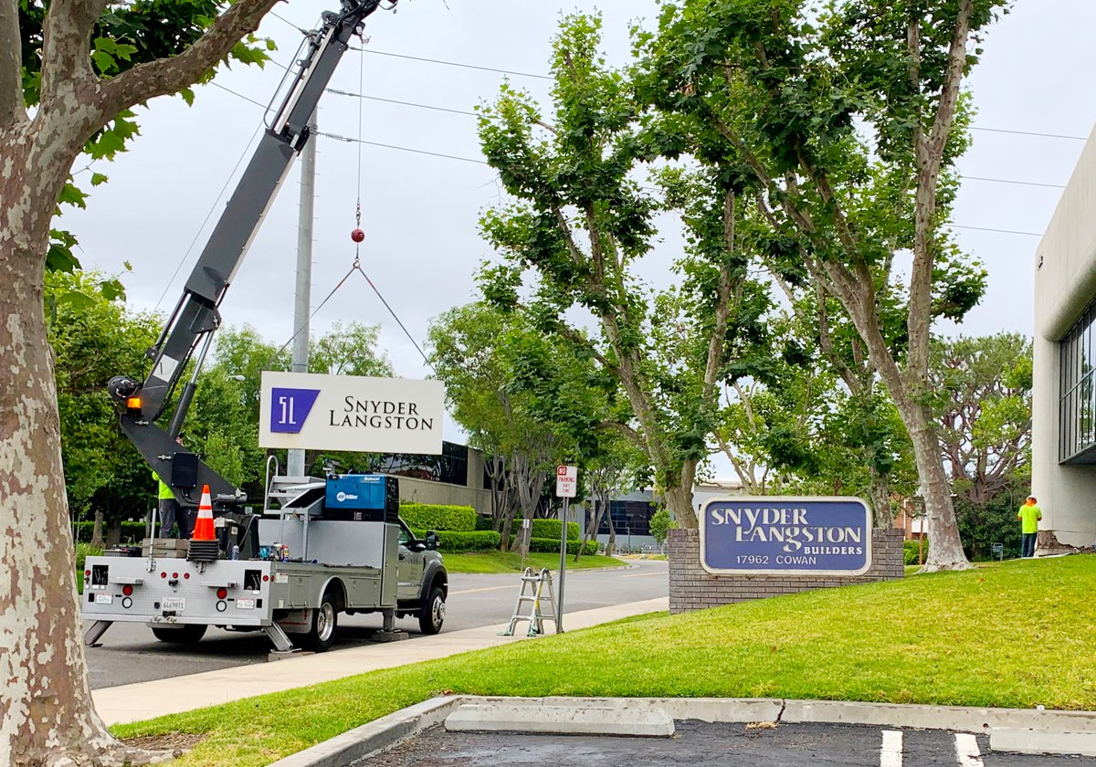Throwback! Given that we are currently celebrating Snyder Langston's 60th year in business, we were thrilled to discover (during some office renovations and the cleaning of our current monument sign) our original monument sign!  #construction #Irvine #OrangeCounty #SnyderLangstonpic.twitter.com/5EZaK7T4uB