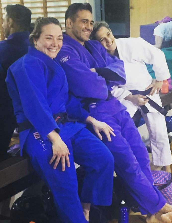 Carolina Mariani en #JudoUBA  El judo de la UBA no descansa y a los entrenamientos semanales tácticos y de preparación física que realiza mediante plataformas virtuales, se unen a partir de esta semana grandes deportistas destacados, como la tres veces olímpica Carolina Mariani. https://t.co/xnc6iXKCE3