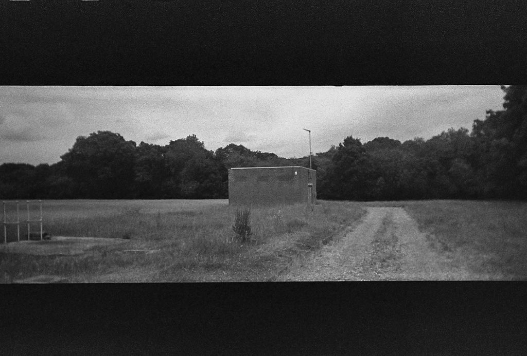 @ShittyChallenge second shot from the unbranded Pano camera for #shittycamerachallenge using @ILFORDPhoto #hp5 #35mmfilm #bnw #bnwsouls #bnwphotography #film #filmcommunity #womenwhoshootfilm #filmisalive #filmwins It went downhill after this pic.twitter.com/icQuv3gSkO