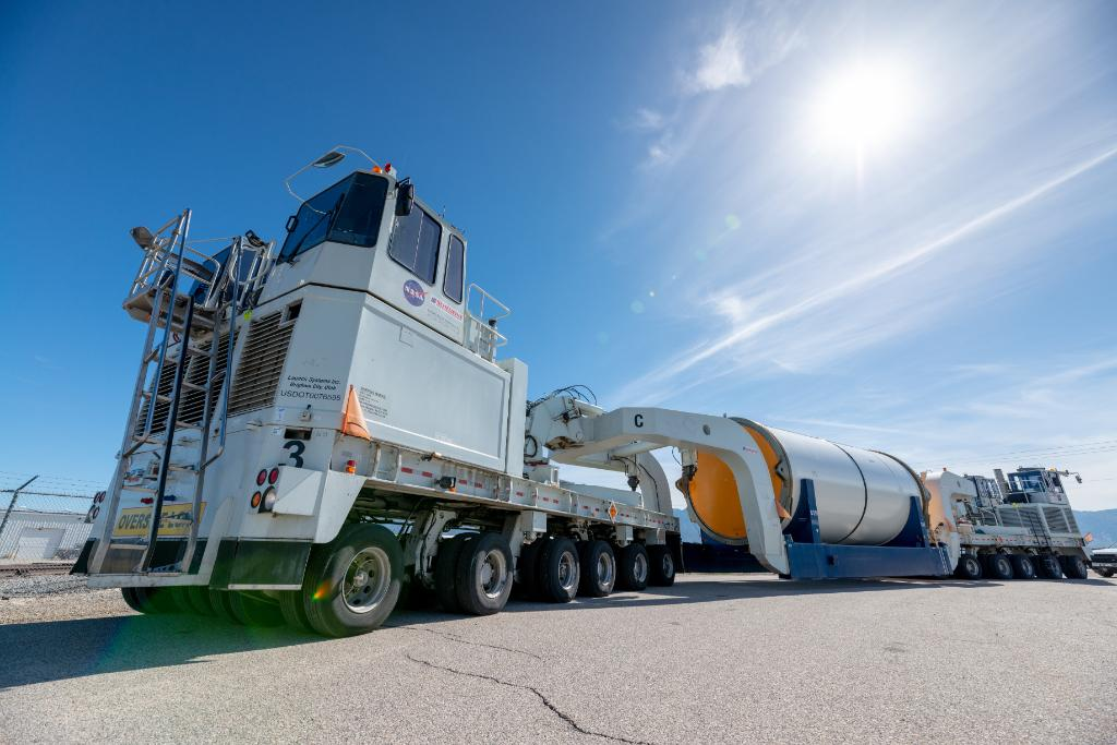 The SLS booster segments that will help launch the first #Artemis mission to the Moon are ready to leave @NorthropGrumman manufacturing facilities in Utah for @NASAKennedy in Florida. MORE >> go.nasa.gov/2BFHz0h