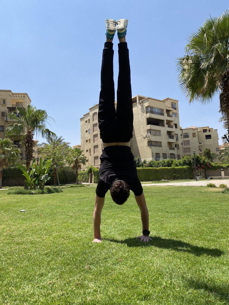 JUST HANDSTAND #handstand #yoga #handstandpractice #calisthenics #gymnastics #fitness #inversions #handstandeveryday #balance #handstandnation #handstanding #handbalancing #flexibility #handstandlove  #acroyoga #handstandeverywhere #inversion #workout #gym #yogachallengepic.twitter.com/SIgoRR18oY