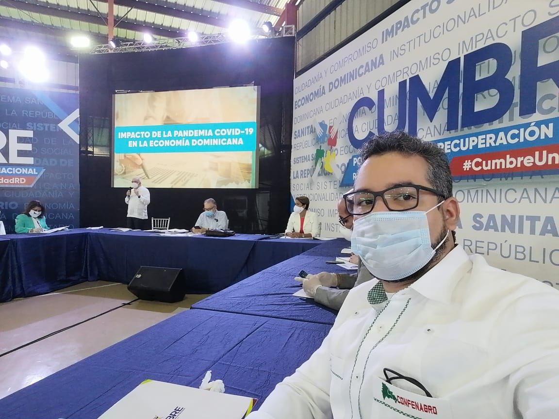 Reunión de trabajó del consejo Directiva de UNAPA en el Colegio Médico Dominicano. #cumbreunidadRD #maquinariaconluis2020pic.twitter.com/pSlRRJ2hct