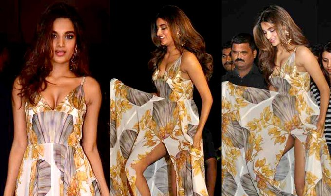 #NidhhiAgerwal Nidhhi Agerwal  IMAGES, GIF, ANIMATED GIF, WALLPAPER, STICKER FOR WHATSAPP & FACEBOOK