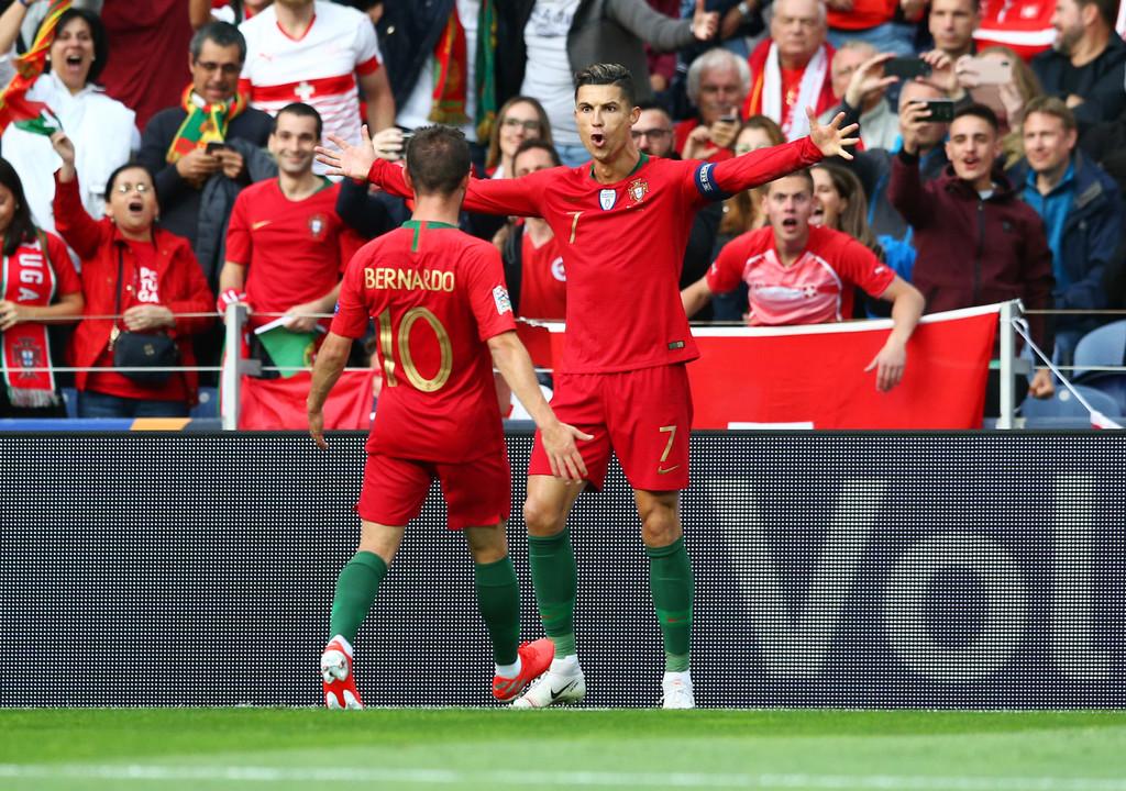 Hoy hace 1 año, Cristiano Ronaldo le marcaba un HAT-TRICK a Suiza y clasificaba a Portugal a la final de la primera UEFA Nations League, título que terminaría ganando su selección nacional. El capitán mandó a guardar los 3 disparos al arco que hizo en todo el partido. THE BEAST.