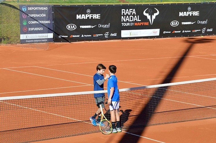🗓️ Las fechas definitivas del  #RafaNadalTour:  Solo la capital mantiene su calendario:  📌 Madrid (18-25 Julio) 📌 Alicante (31jul-8Ago) 📌 Barcelona (12-20 Septiembre) 📌 Valencia (10-18 Octubre) 📌 Manacor | Máster (10-13 Noviembre) https://t.co/9chlbR7HQ8