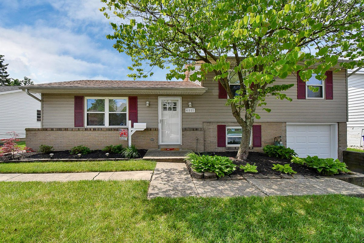 See a virtual tour of my listing on 6511 Carriage Lane #Reynoldsburg #OH  #realestate https://tour.corelistingmachine.com/home/PQW2EX pic.twitter.com/tGKUzYfmMI