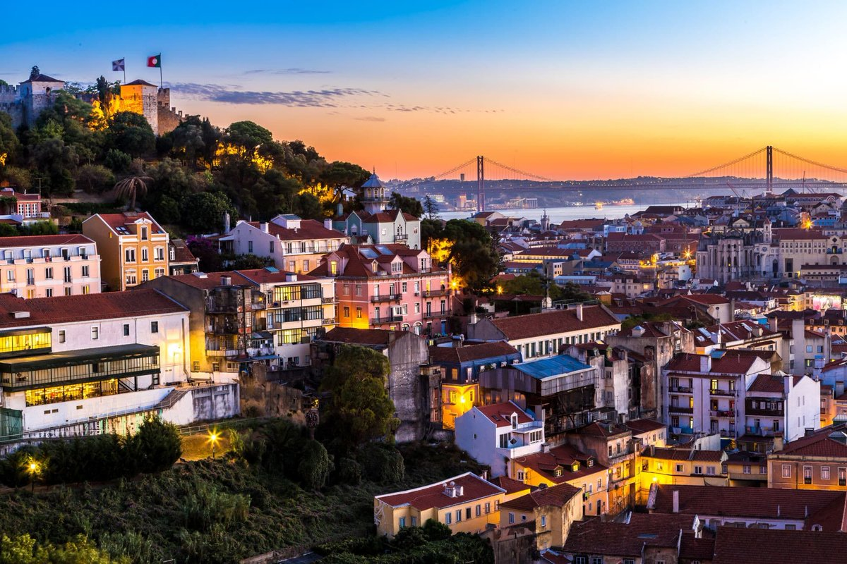 Is Portugal's Golden Visa  the easiest way of gaining EU citizenship through investments?  This guide has all the details you need to apply for and get the Golden Visa, either through #investment in funds or #realestate.  https://buff.ly/2L0bQaI  via @TheNomadGatepic.twitter.com/j4eZ2Ofrb8