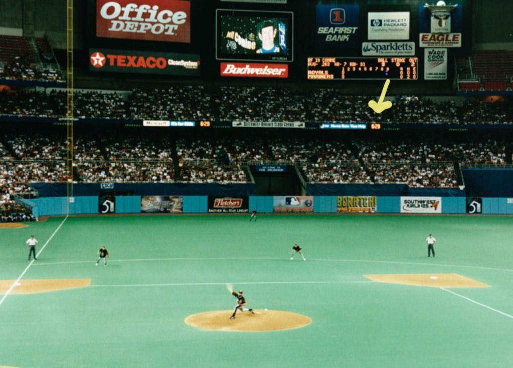 What's the longest home run you have ever seen in person?  I'll start: Mark McGwire off of Randy Johnson at the Kingdome, 1997. https://t.co/xmj898m2yn