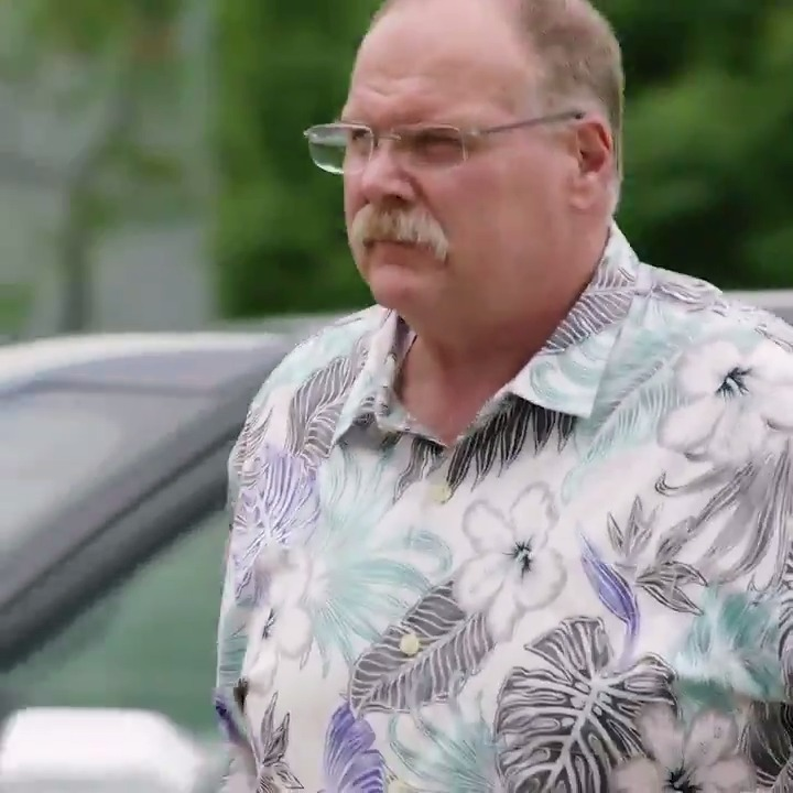 Andy Reid with the classic Hawaiian shirt