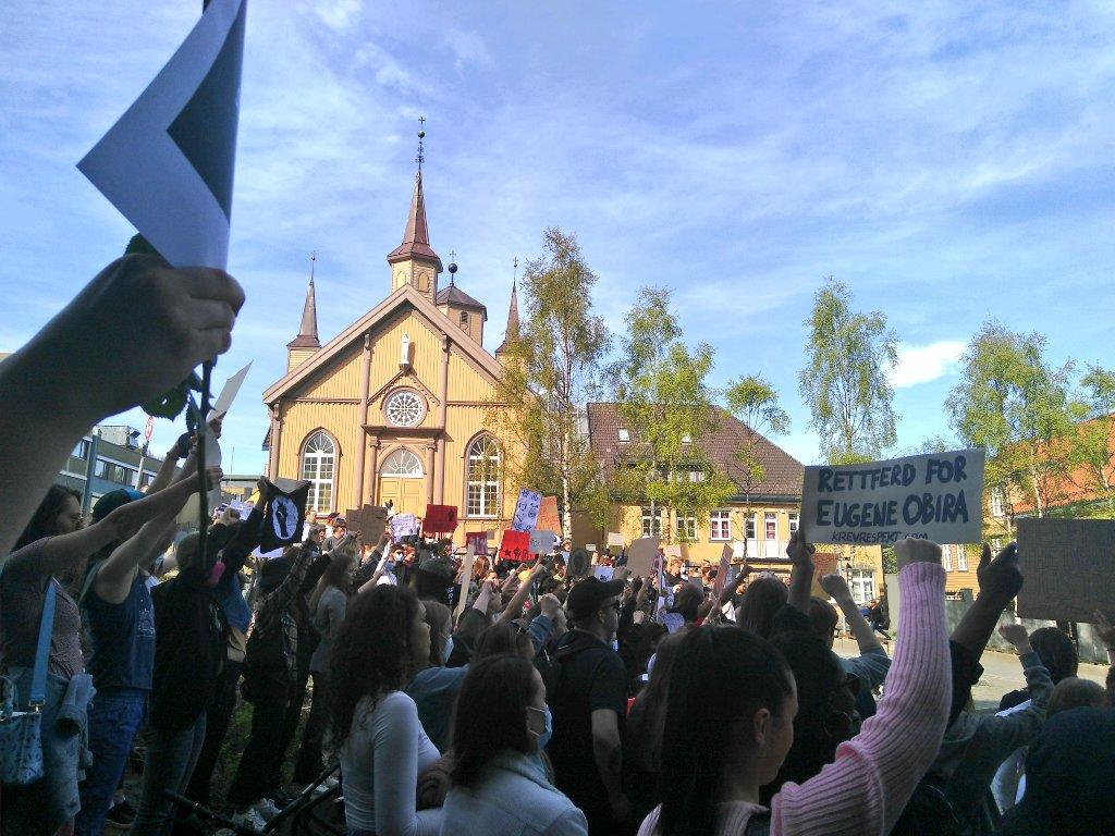 #BlackLivesMatter Tromsøn. Igandean Bilbon. https://t.co/GBg3isiAfh https://t.co/hIIOzyhF0R