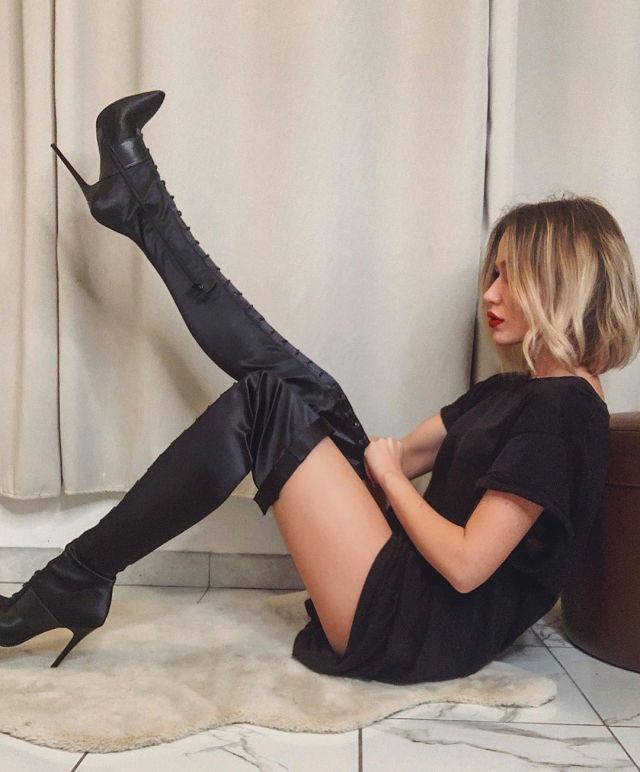Follow me for more-  Natalia Lymarenko in Missguided boots  #fashion #boots #femalespic.twitter.com/k6A3xO8ghg