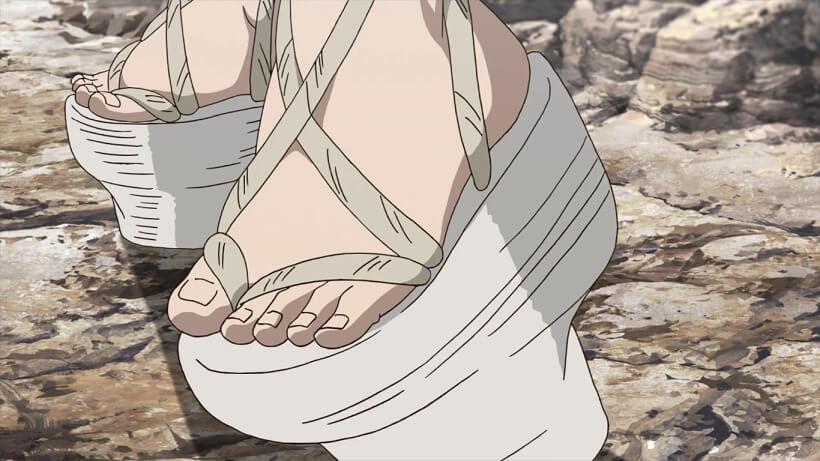 Dr.STONEの作中に登場した変な靴だけど、意外にも実在した物だったりする。Chopinesと呼ばれた木靴の一種でローマから中世ヨーロッパで庶民の作業用の履物だったが、後に装飾品としても作られている。日本では同等品を下駄と呼んでいた。