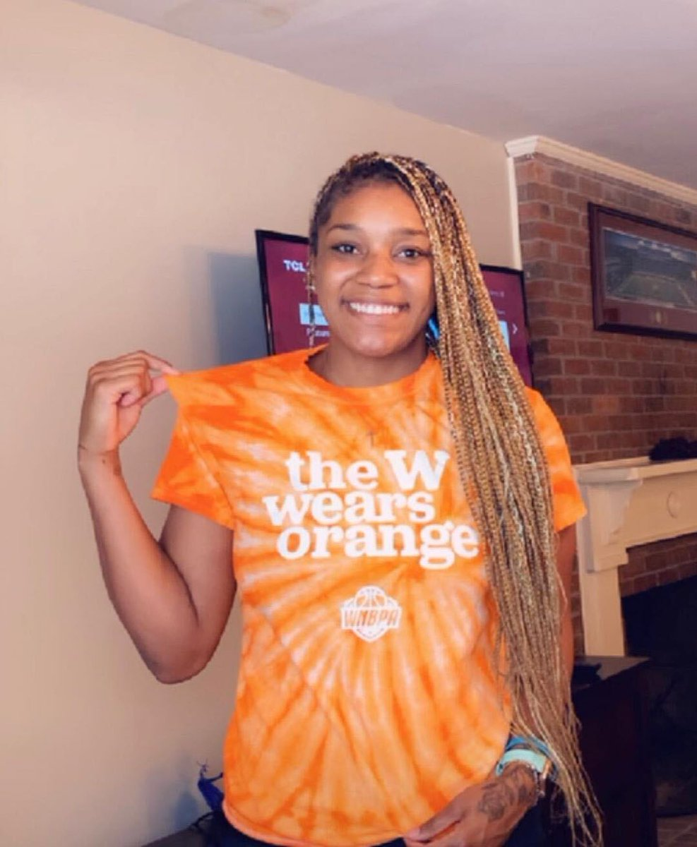 🧡🧡  We proudly stand with @VictoriaVivians, @NatAchon, @EWeezy_For3eezy, Candice Dupree, @WNBA and @TheWNBPA as we #WearOrange for National Gun Violence Awareness Day. https://t.co/sJCbbVubjv