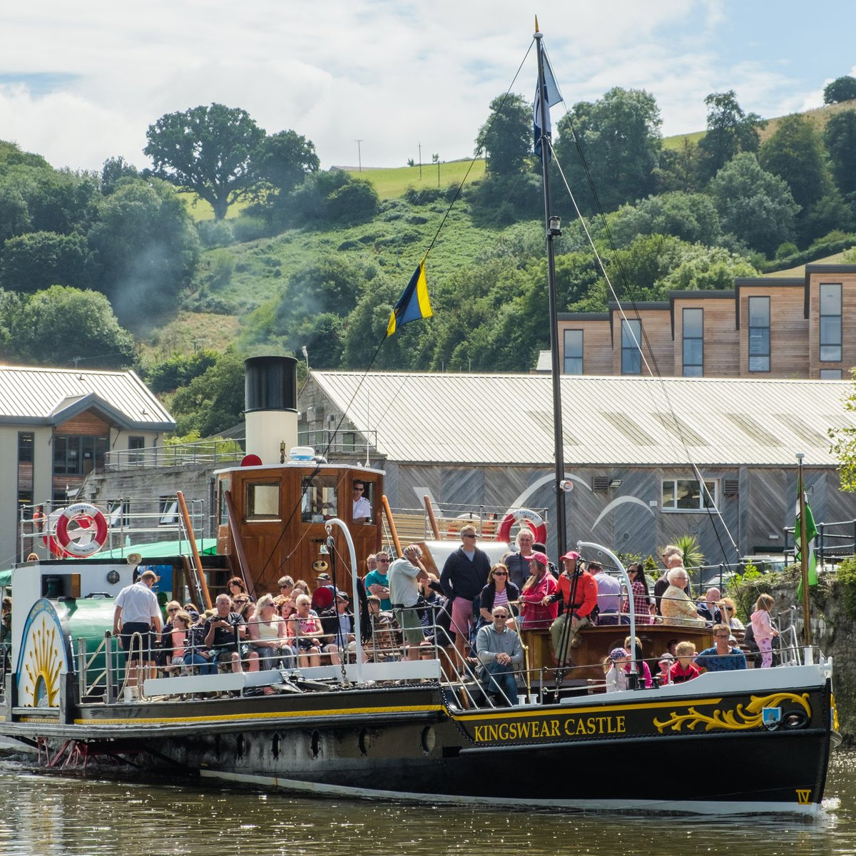 Kingswear Castle is the last remaining coal-fired paddle steamer in the UK. Will you be looking to take a trip with Kingswear Castle when you can? #dartmouthsteamrailway #kingswearcastle