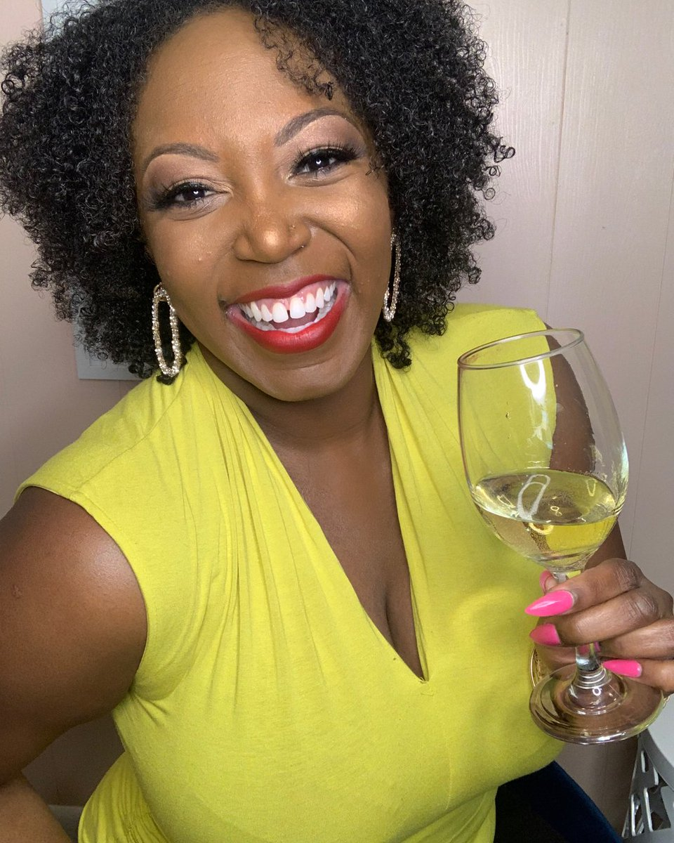 Heeeeeeey winefriends! We just hit another milestone as our wine family online continues to grow. So let's have some fun! I'll go first and then it's your turn to respond!   Who: My name is @shaylavarnado  I'm a wife obsessed with home decor, Target, dogs, and plants. No pic.twitter.com/RUOEQmvs6d