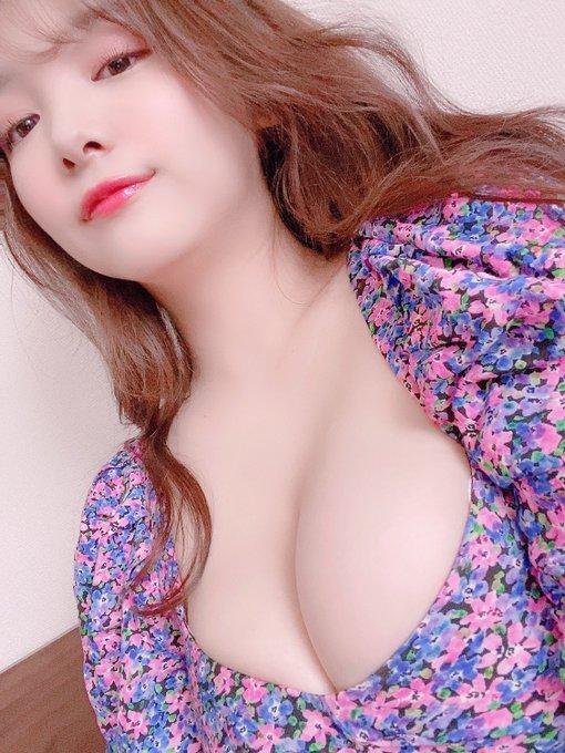 グラビアアイドル工藤唯のTwitter自撮りエロ画像11
