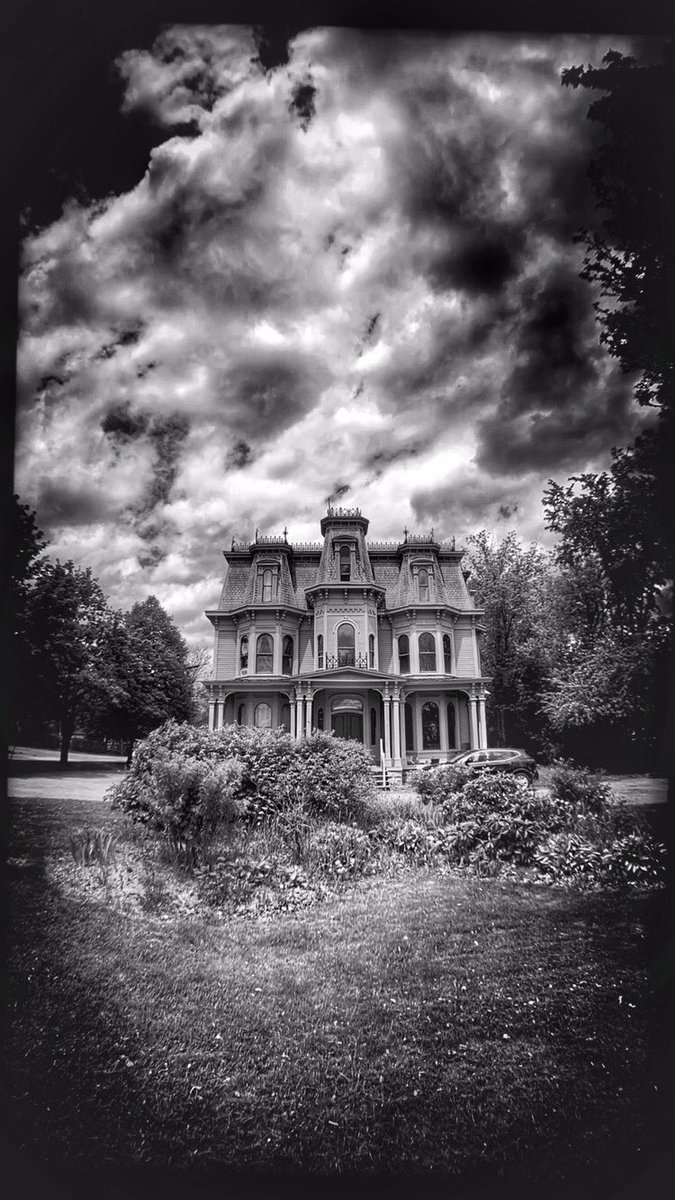 The Todd Mansion c.1890-95 #historic #architecture #secondempire #ststephennb #newbrunswickcanada #blackandwhite #bw #bwphotography https://t.co/PcV8dy5c7T