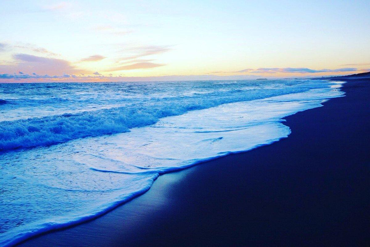 """Blue Beach"" #blue #beach #sanddunes #sunset #lovers #landscape #walk #trip #nature #art #wave #sunset #sky #love #earth #写真 #自然 #芸術 #旅行 #日本 #風景 #アート #地球 #愛pic.twitter.com/GZvcz7ob6e"