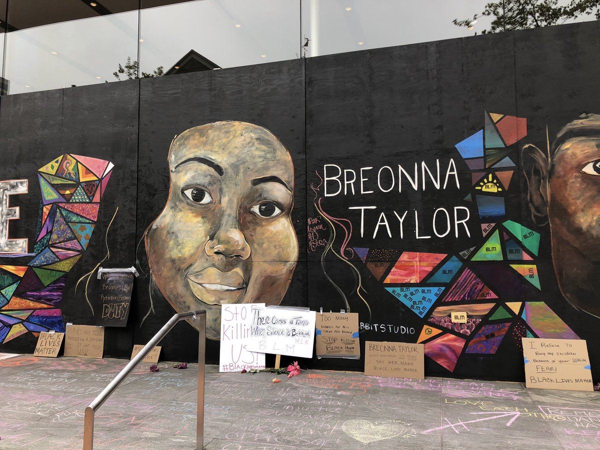 Sin On Twitter Portland Artist S Painted A Mural Over The Downtown Apple Store Georgefloyd Breonnataylor Ahmaudarbery