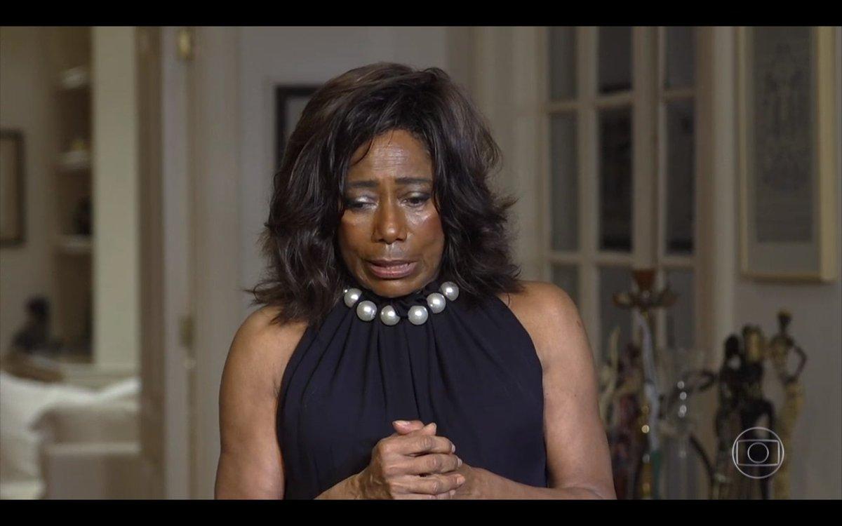 O difícil pra mim agora é contar para as minhas filhas o que é o racismo. Elas vendo essas manifestações me perguntam mamãe ele morreu só pq era negro? E tenho que responder é, foi por isso. Mas eu espero que qd elas crescerem seja um mundo melhor. (Gloria Maria) #GloboRepórter