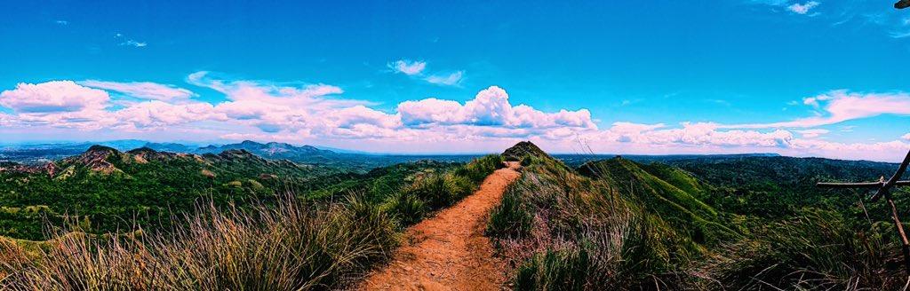 The peak!  #travel #travelphotography #vsco #vscocam #vscoph #Philippines #philippinestravel  #mountainlife #imtheauditorpic.twitter.com/ZWPtd813HW