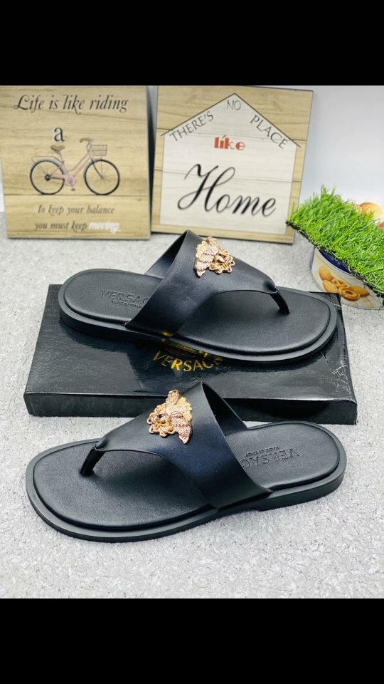 FLIP FLOP Price: 20,000 Size 40-45. Colours Available. Home Delivery within Lagos. Pay on Delivery Available. pic.twitter.com/O87KDeVtfb
