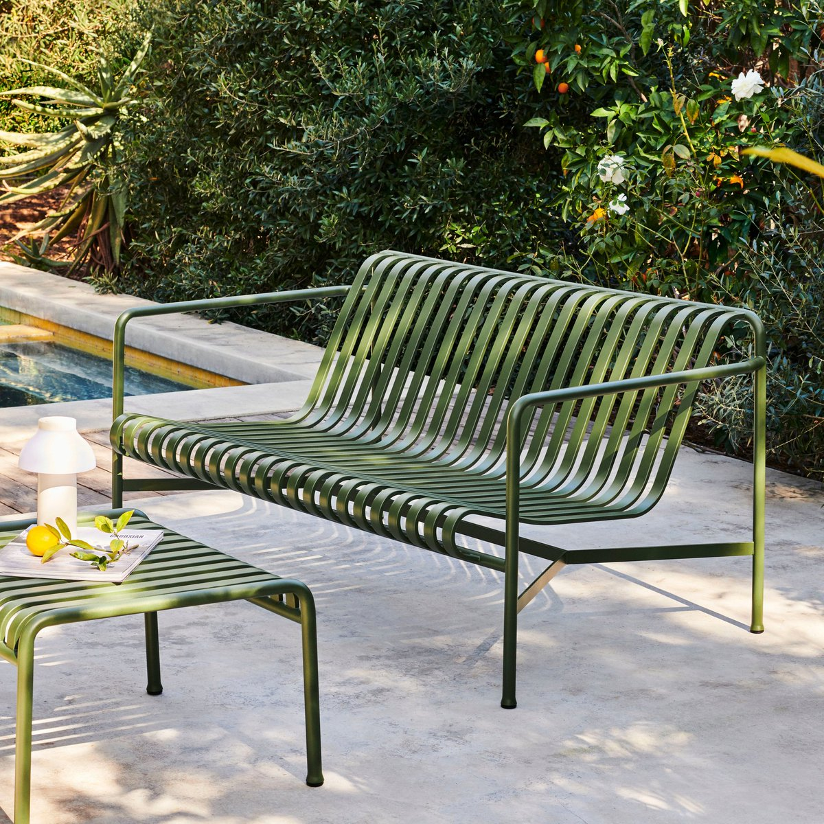 Enjoy summer to the fullest with the Palissade range by @ronanerwanbouroullec for @haydesign. In stock in a variety of colours and shapes, this is an outdoor evergreen that looks equally beautiful by the poolside, on the balcony and in the garden.  http://bit.ly/SCPPalissade pic.twitter.com/GdcAd3KmVZ