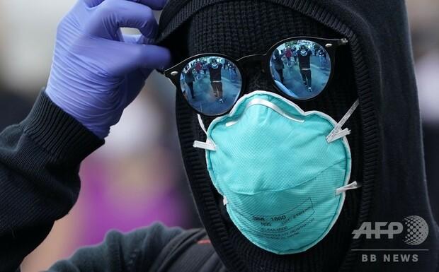 1000RT:【新型コロナ】WHOがマスク指針を転換、密接場面での着用推奨WHOは5日、マスク着用指針を転換し、流行地で対人距離の確保が難しい場合には布製マスクの使用を推奨すると発表した。