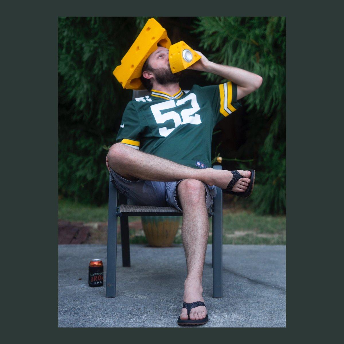 Portrait 9 Evan Age 31 Maybe a little cheesy 🧀 #photography #portraitoftheday #portraitphotography #portraits #cheesehead #greenbay #sports #acworth #georgia #chattanoogaphotographer #sony #sonyalpha #a6400 #sigma #sigma56mmf14 https://t.co/LsACbZFZKQ