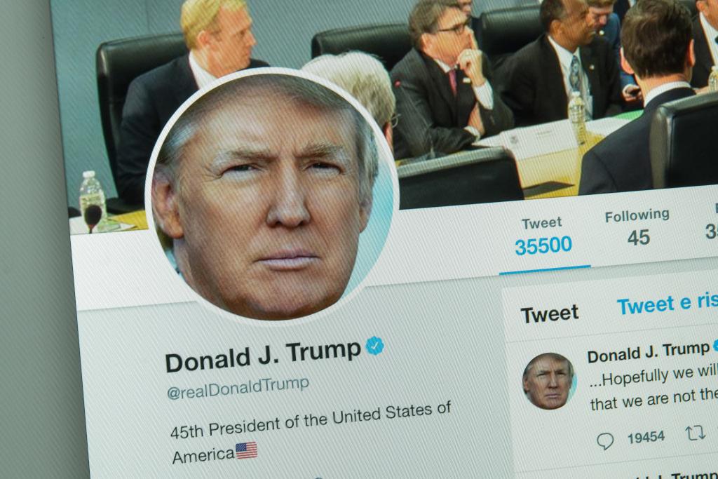 Facebook, Instagram Take Down Trump George Floyd Posts Over Alleged Copyright Violations dlvr.it/RY51sR